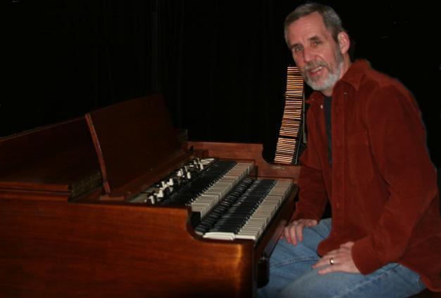 Gary at the Hammond B3