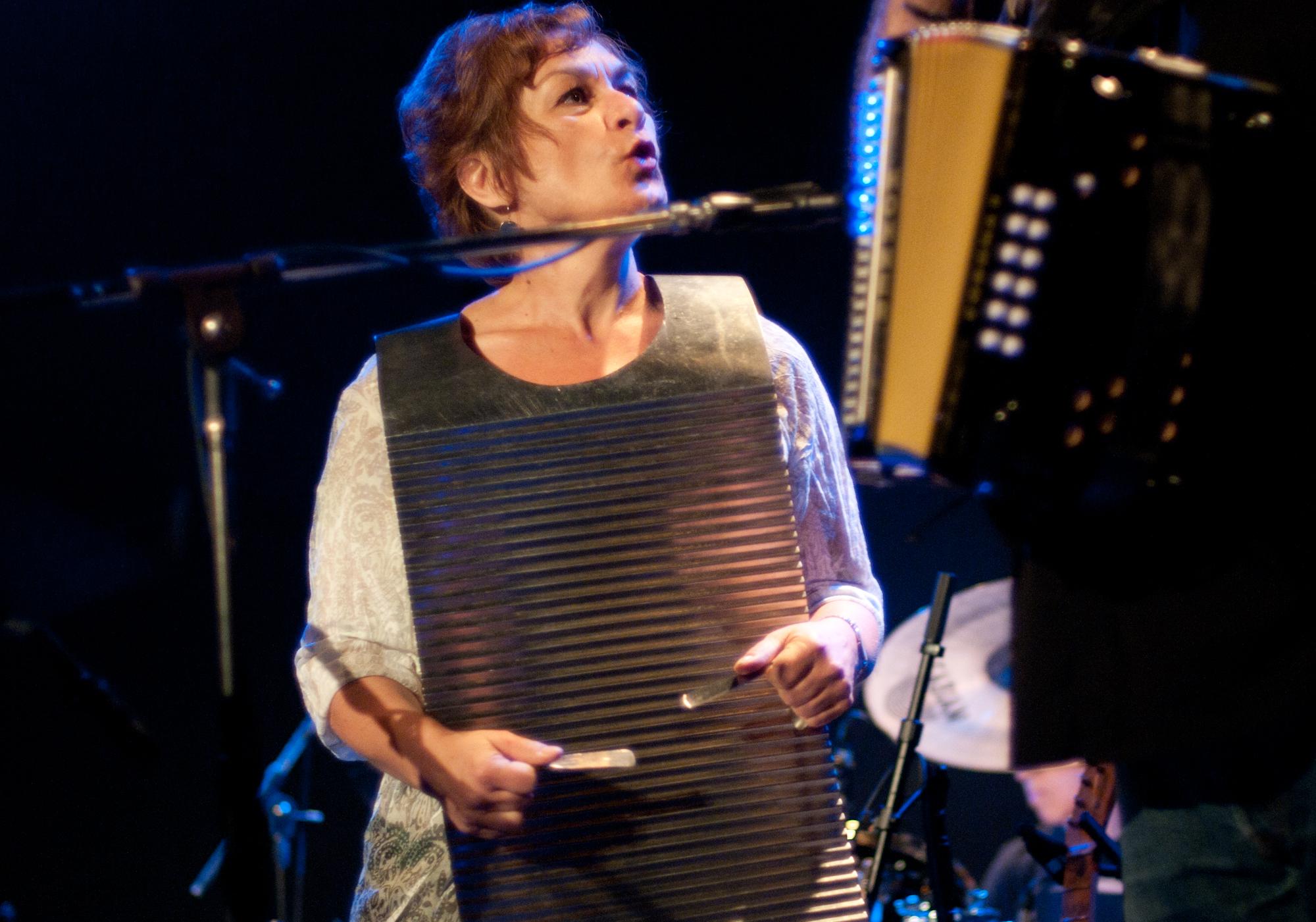 Karen Durkot (Los Lobos)