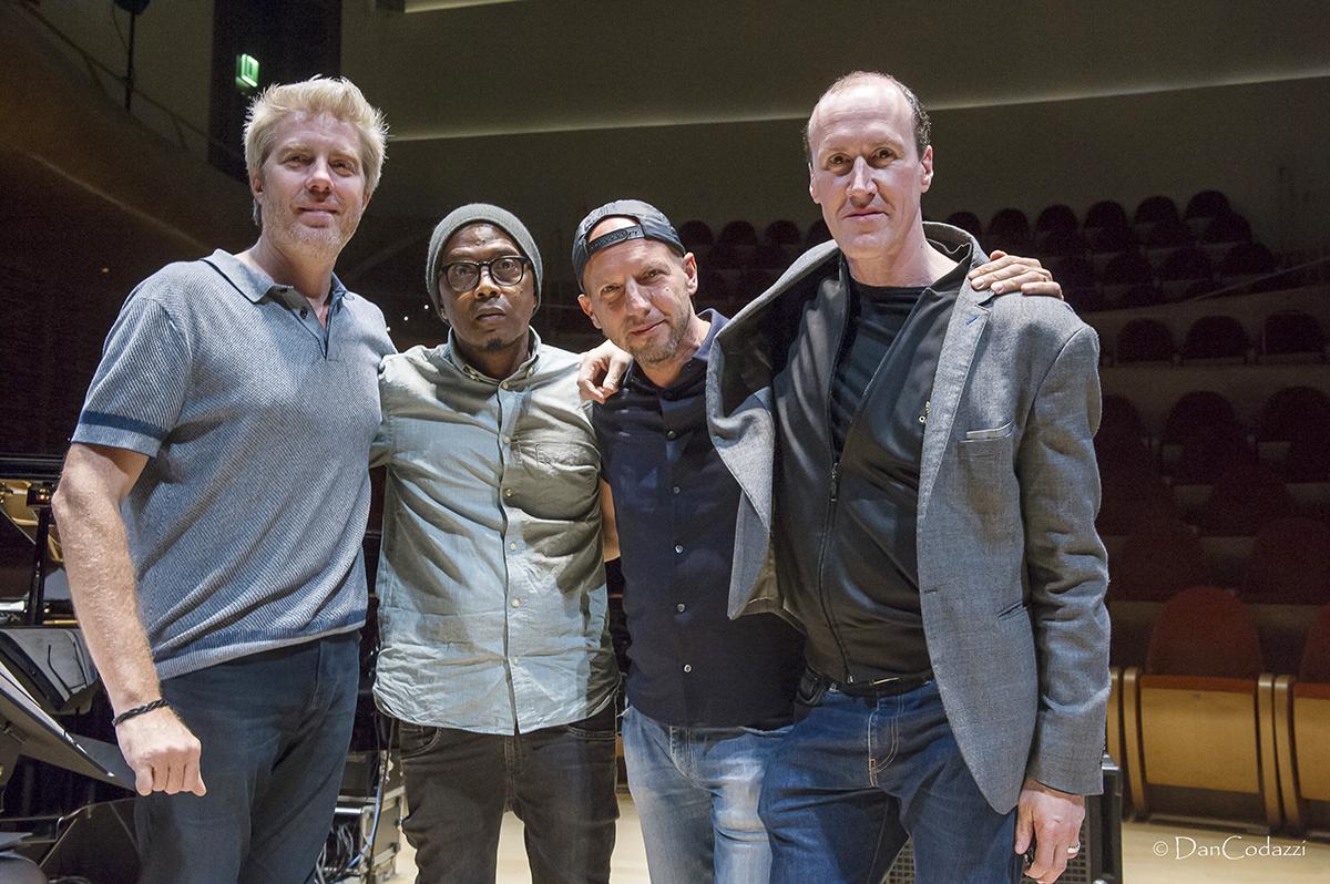 Eastwood-Baker-Faraò-Linx quartet