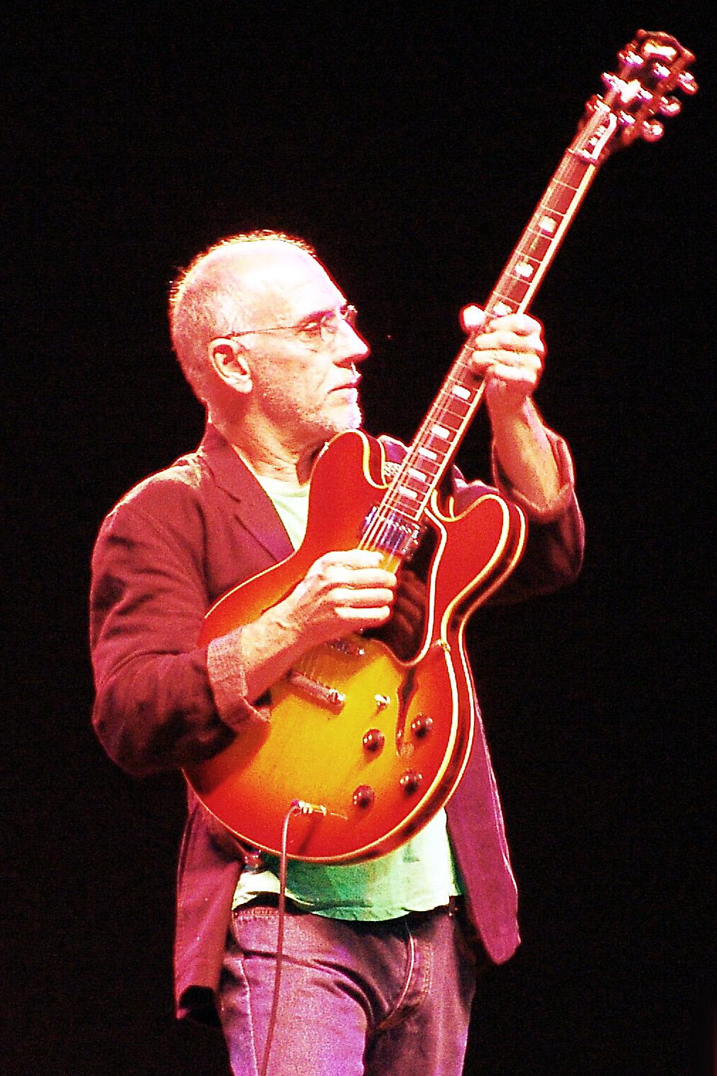 Larry Carlton of Fourplay, 2006 Capital Jazzfest (MD)
