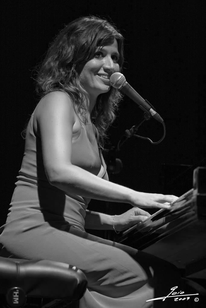 Chiara Civello-2009-(2)