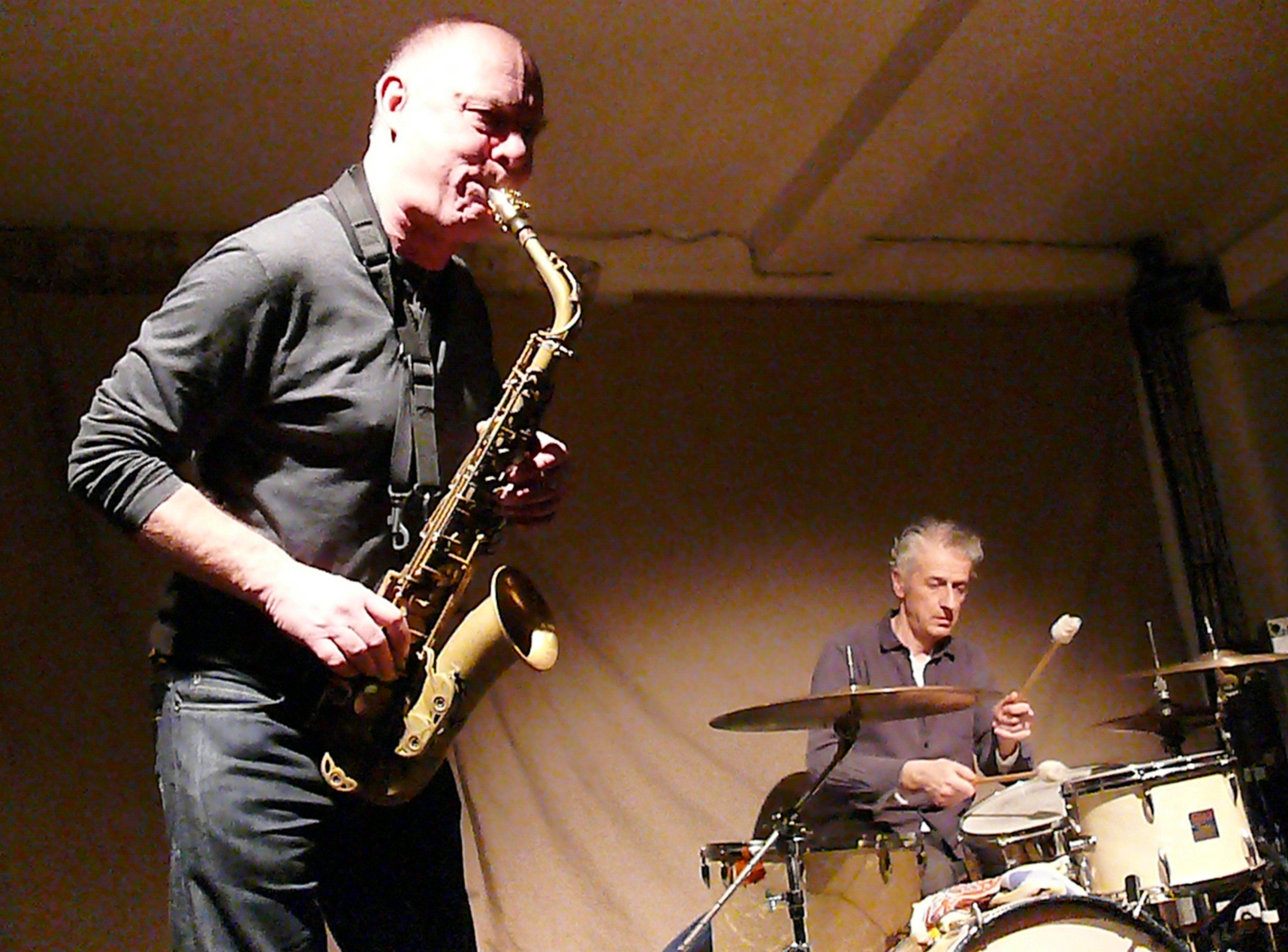 Alan Wilkinson and Steve Noble at Cafe Oto, London in January 2013
