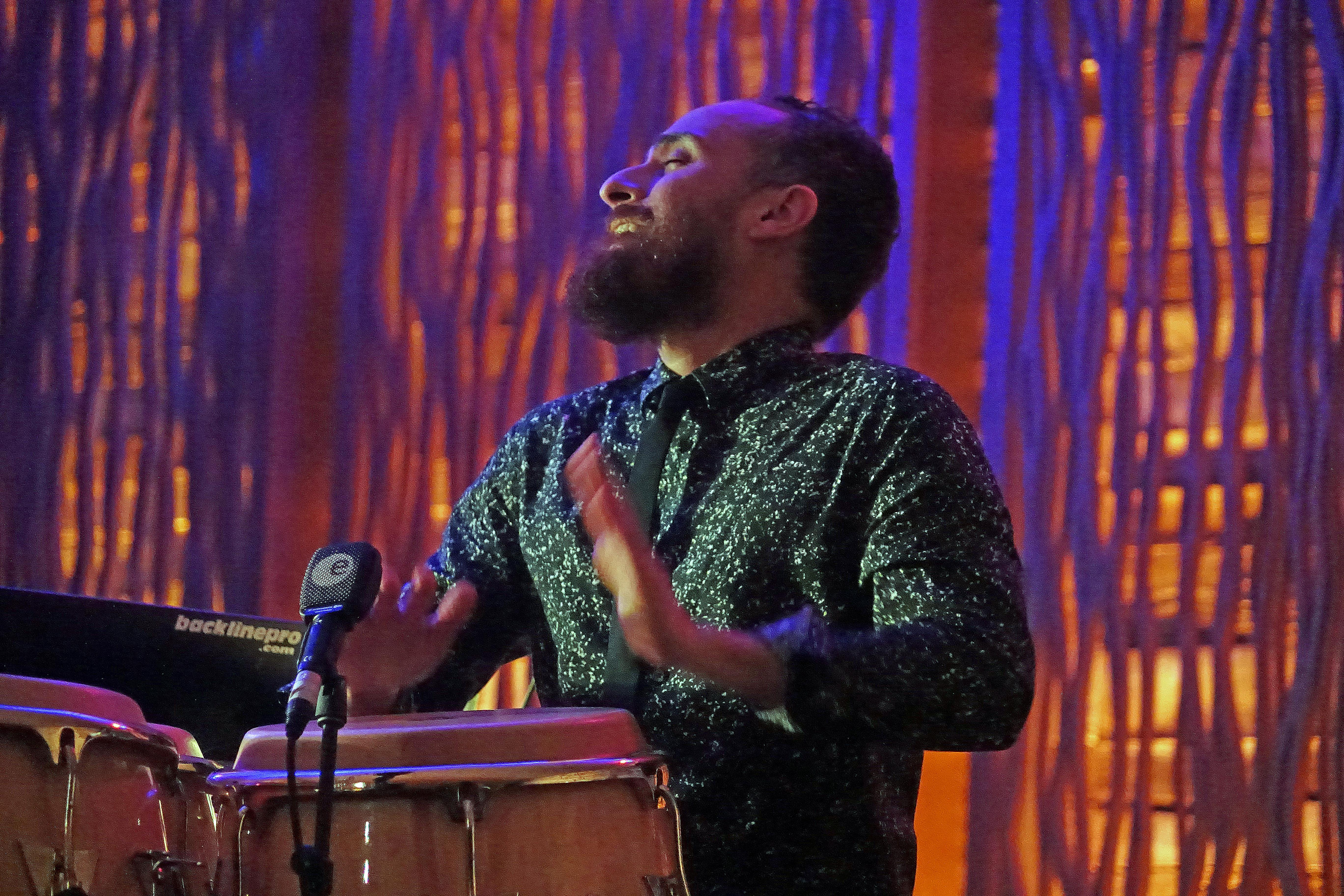 """Carlos Henriquez Presents """"Dizzy Con Clave"""""""