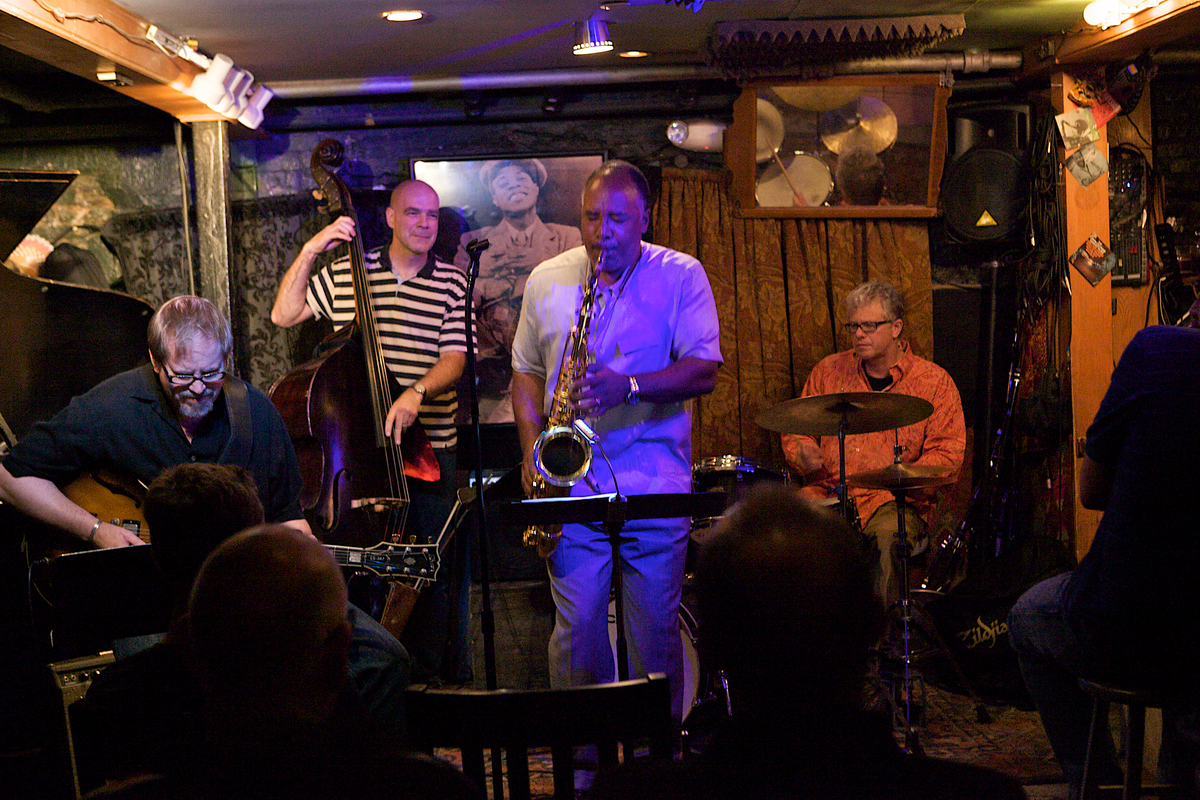 Joris Teepe Trio with Dave Stryker, Small's Jazz Club, NYC, 7/19/12