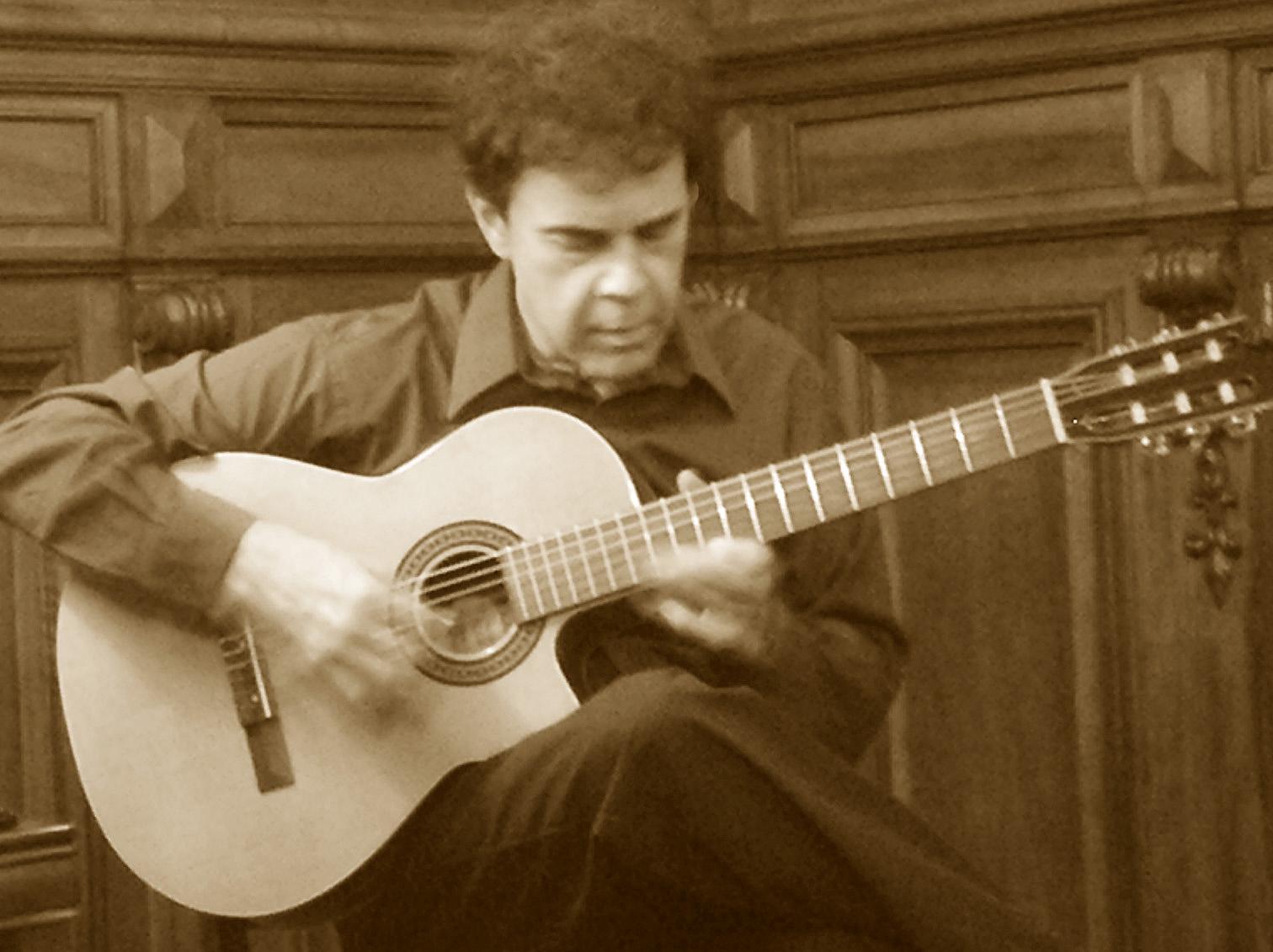 Matt Richards - Solo at Elkins Estate