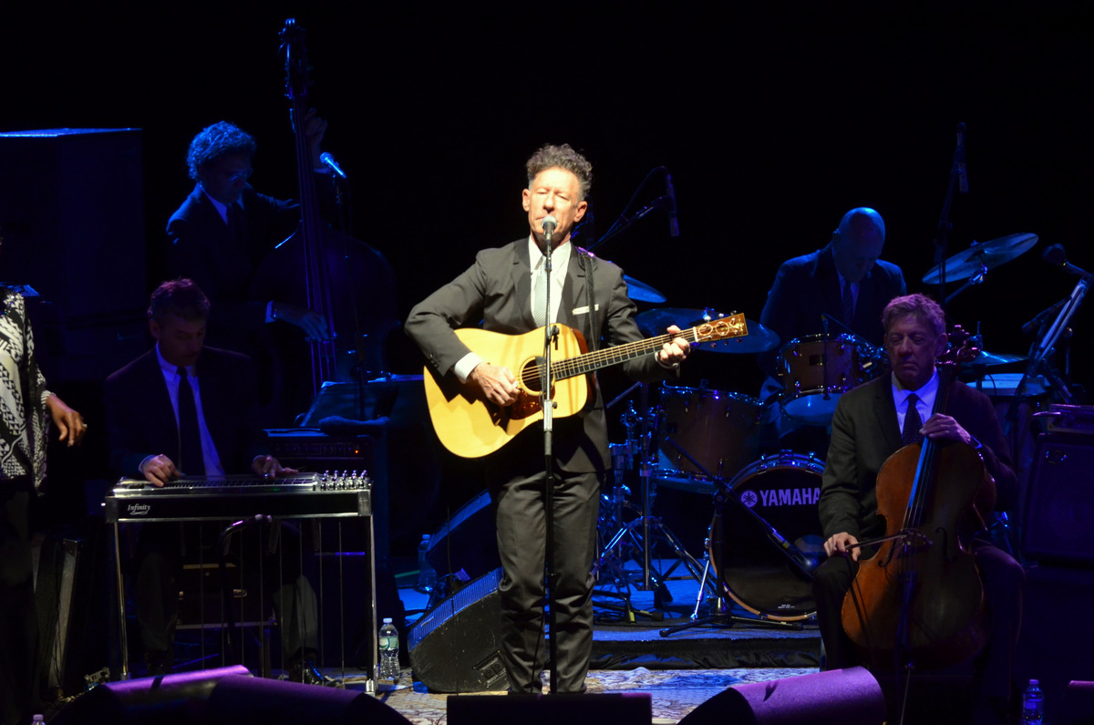 Lyle Lovett and His Large Band at Nycb Theatre at Westbury on 8-17.14.