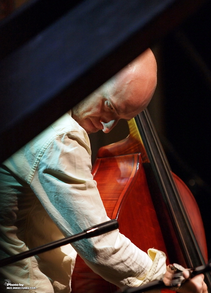 Alan Hampton, Performing with Gretchen Parlato at at Jazz Festival Zadymka Jazzowa, Bielsko-Biala, Poland. 2013