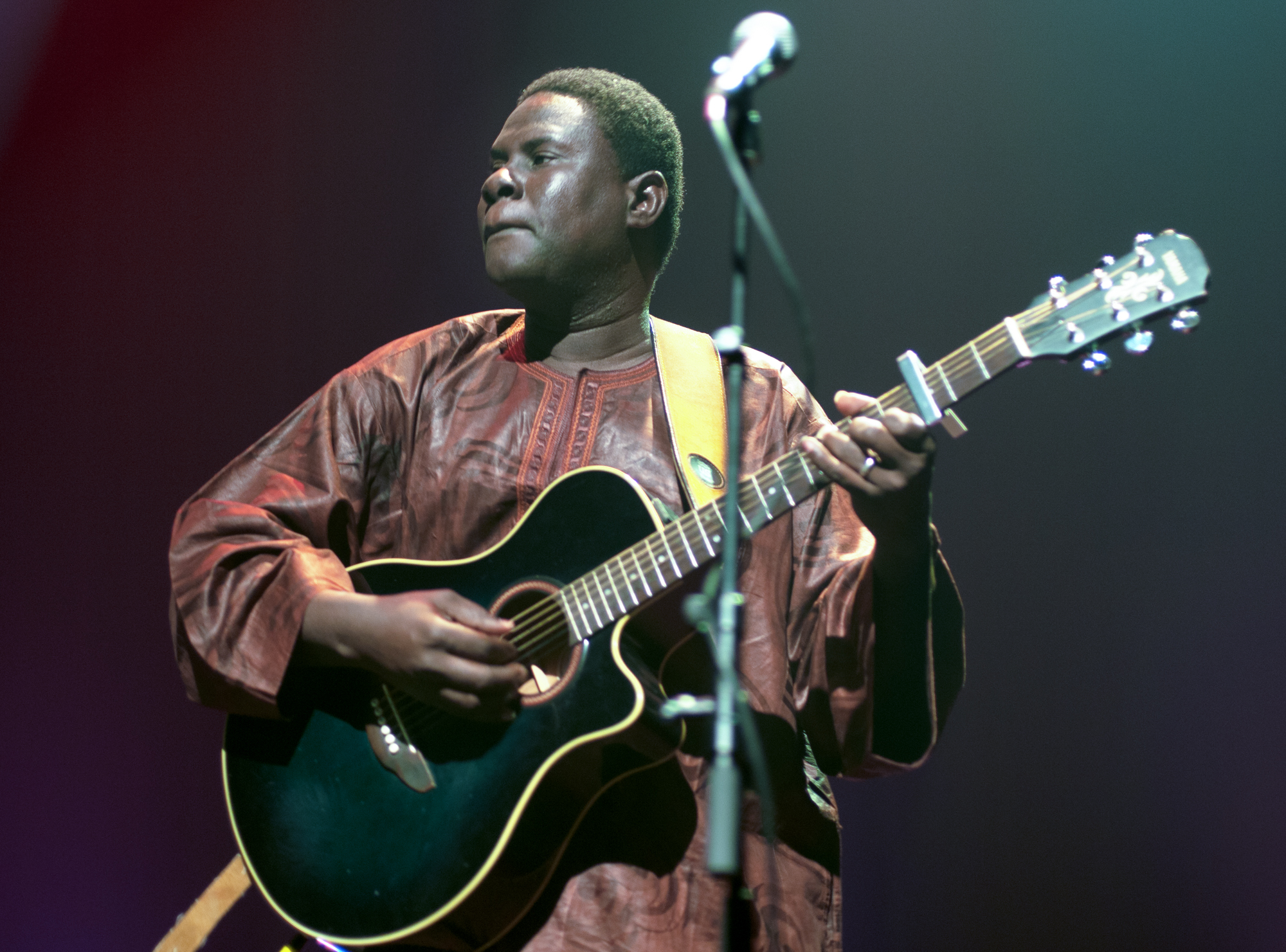 Aly magassa with vieux farka toure at the montreal international jazz festival 2013