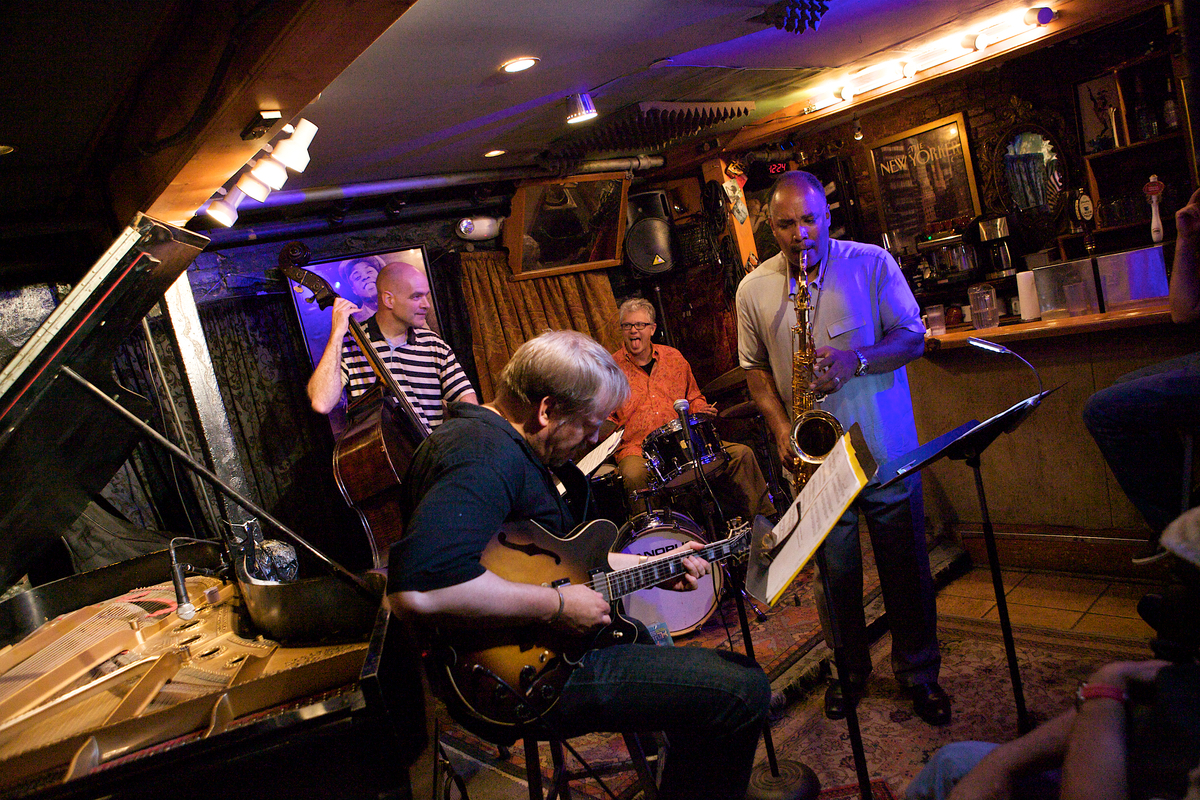 Joris Teepe Trio with Dave Stryker, Small's Jazz Club, NYC, 7/19/12