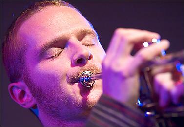Daniel Nsig - [url=http://WWW.Jazzfotografie.Eisi.At/]WWW.Jazzfotografie.Eisi.At[/Url]