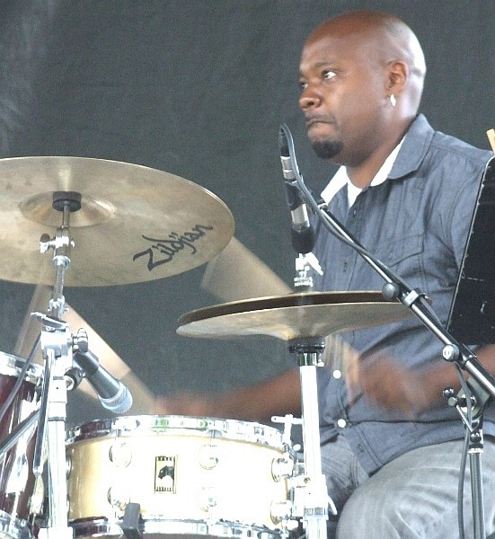 Vin Johnson with the Joan Collaso Quintet at 2011 Chicago Jazz Festival
