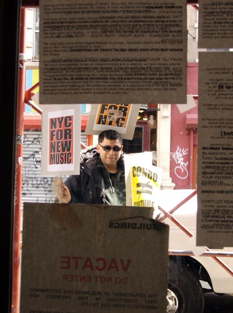 Manny Maris (Protesting) - Tonic 2007