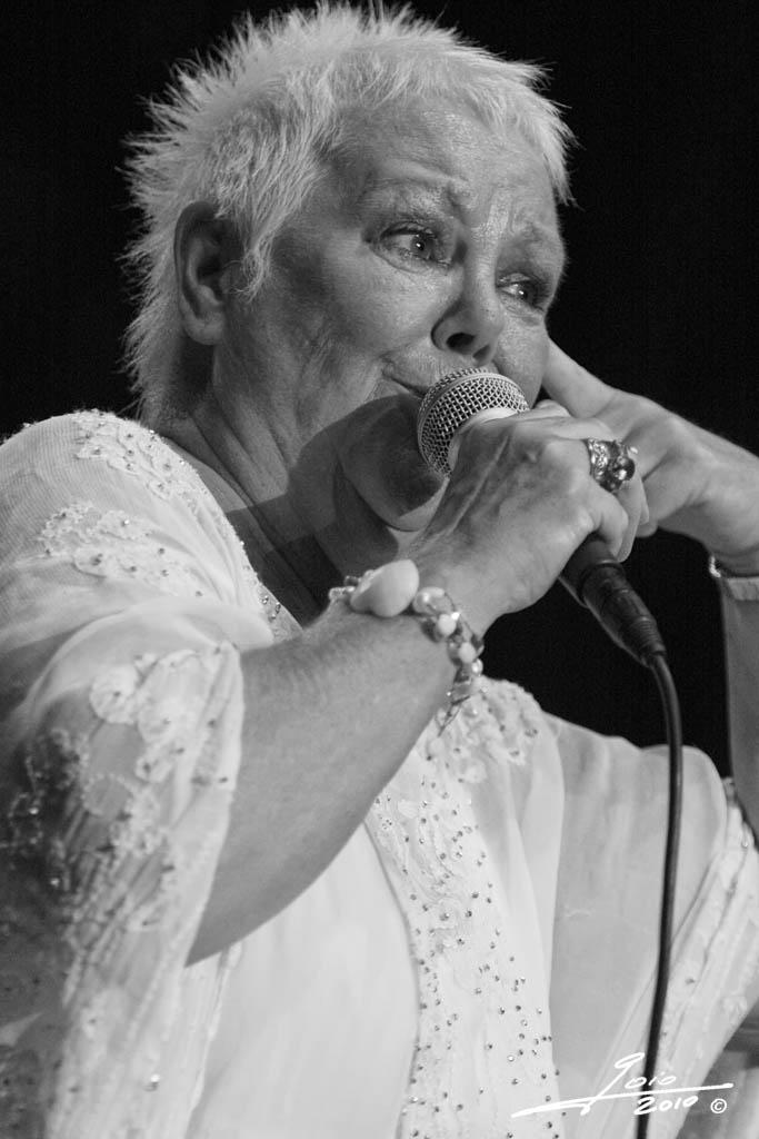 Carol Kidd - 2010 - (3)