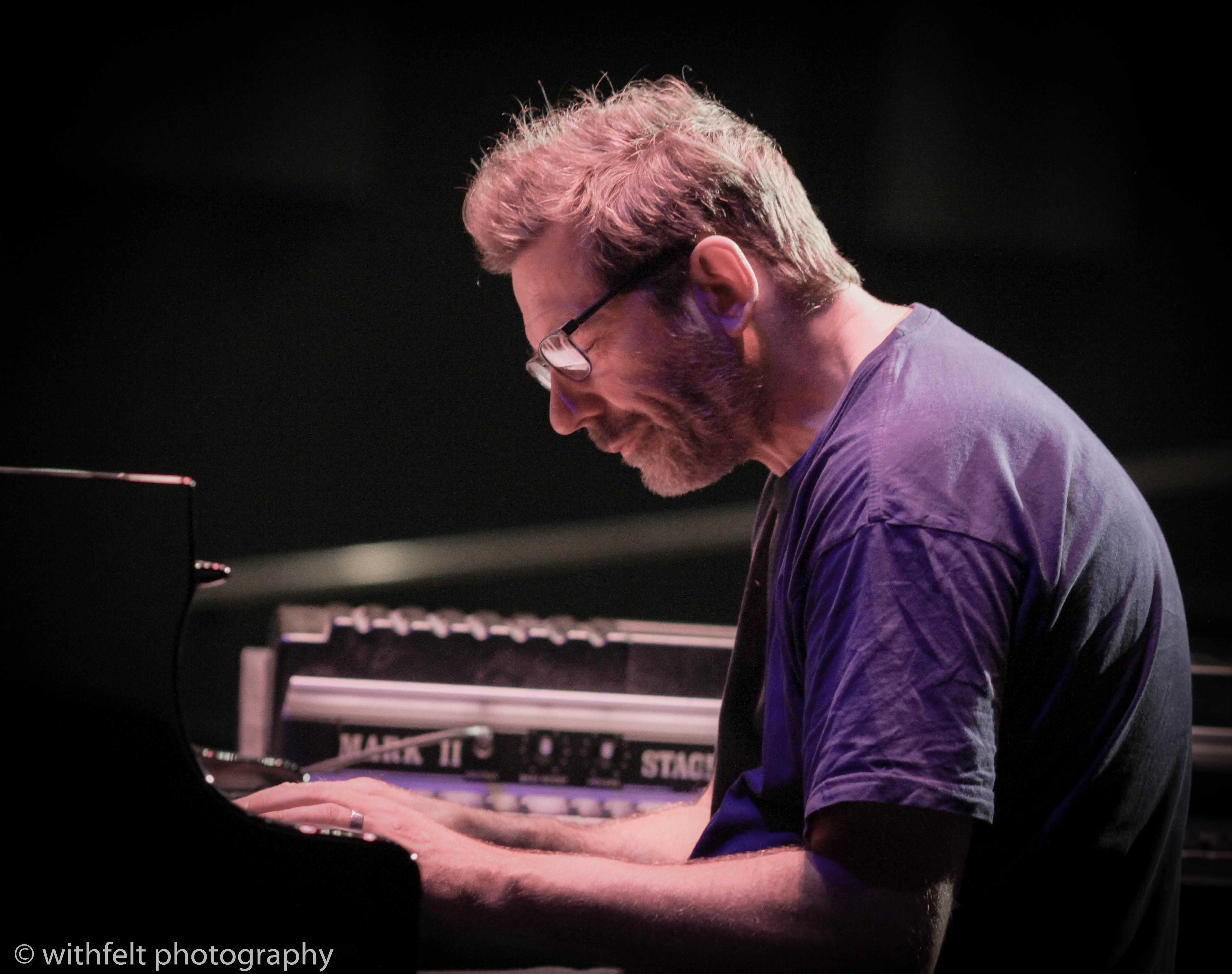"Carsten Dahl: ""The Solo Songs of Keith Jarrett"" at Copenhagen Jazz Festival 2019 10.07.2019 Linn up: Carsten Dahl (pia) Palle Mikkelborg (tp) Frederik Lundin (tenor sax) Nils Bo Davidsen (bass) Stefan Pasborg (dr.) Sana Ripatti (viola) Ana Feitdsa (violin"