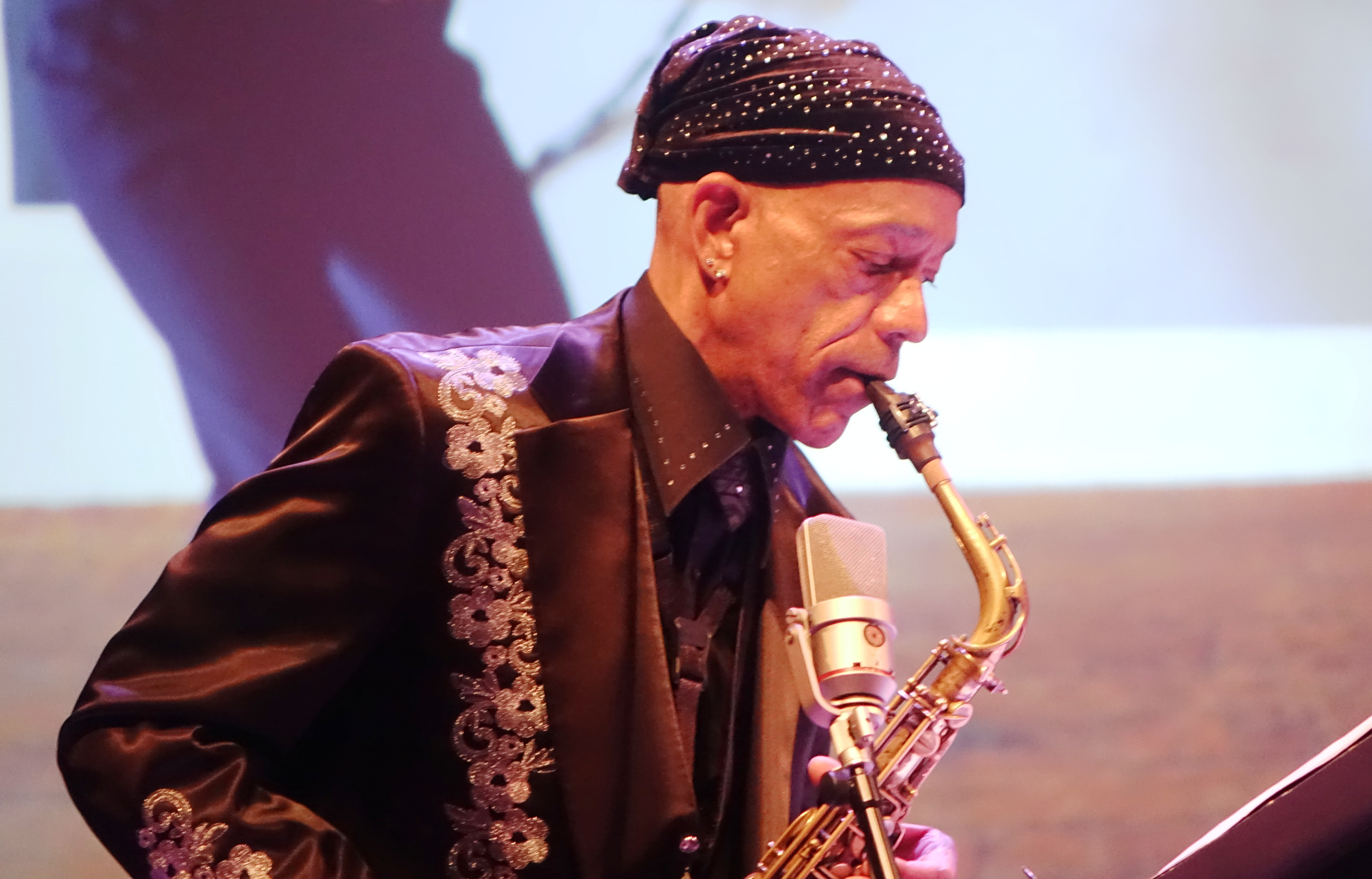 Idris Ackamoor at the Vision Festival in Roulette, Brooklyn in June 2019