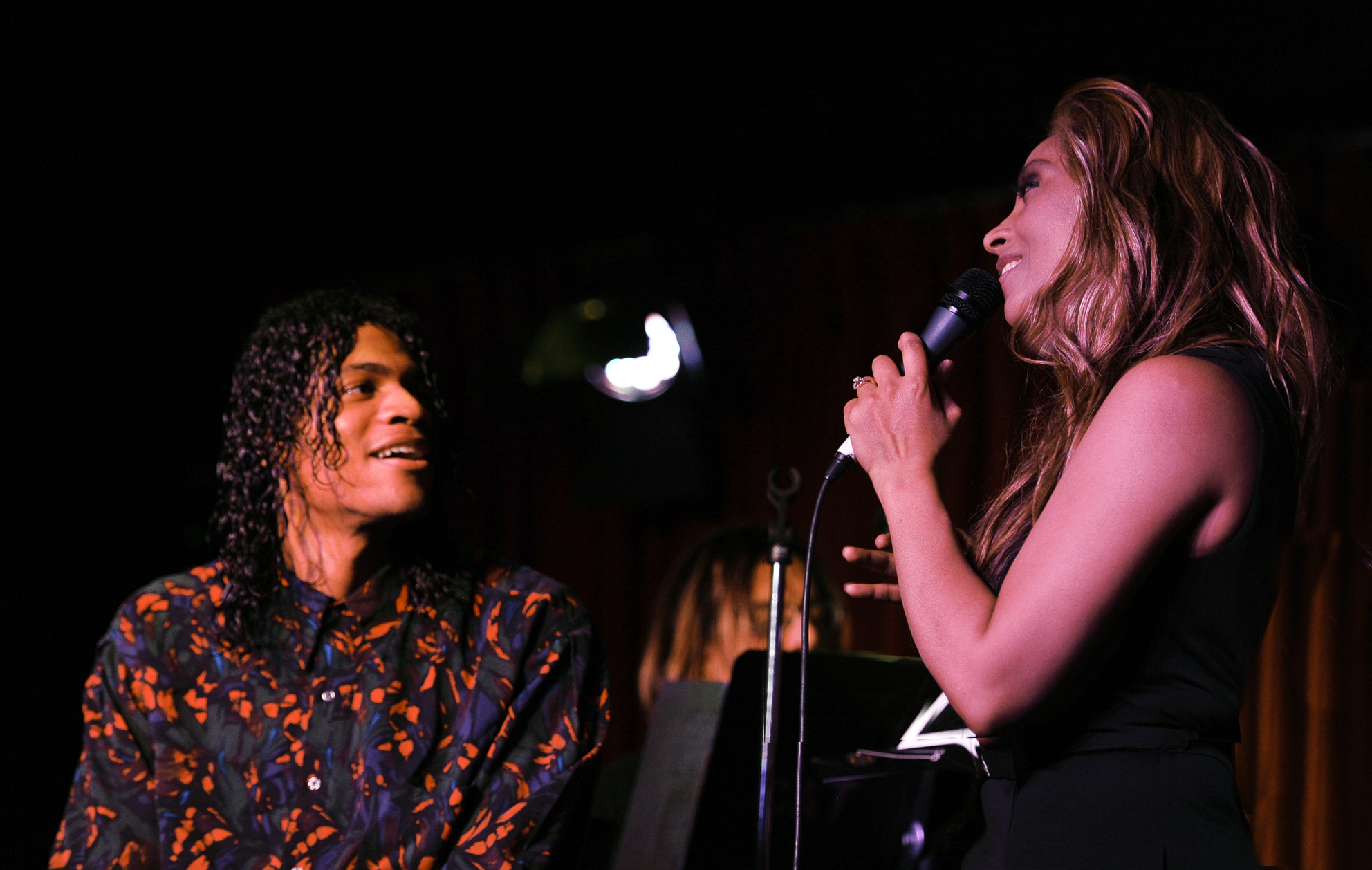 Kaylene Peoples Serenades Guest at Her Concert