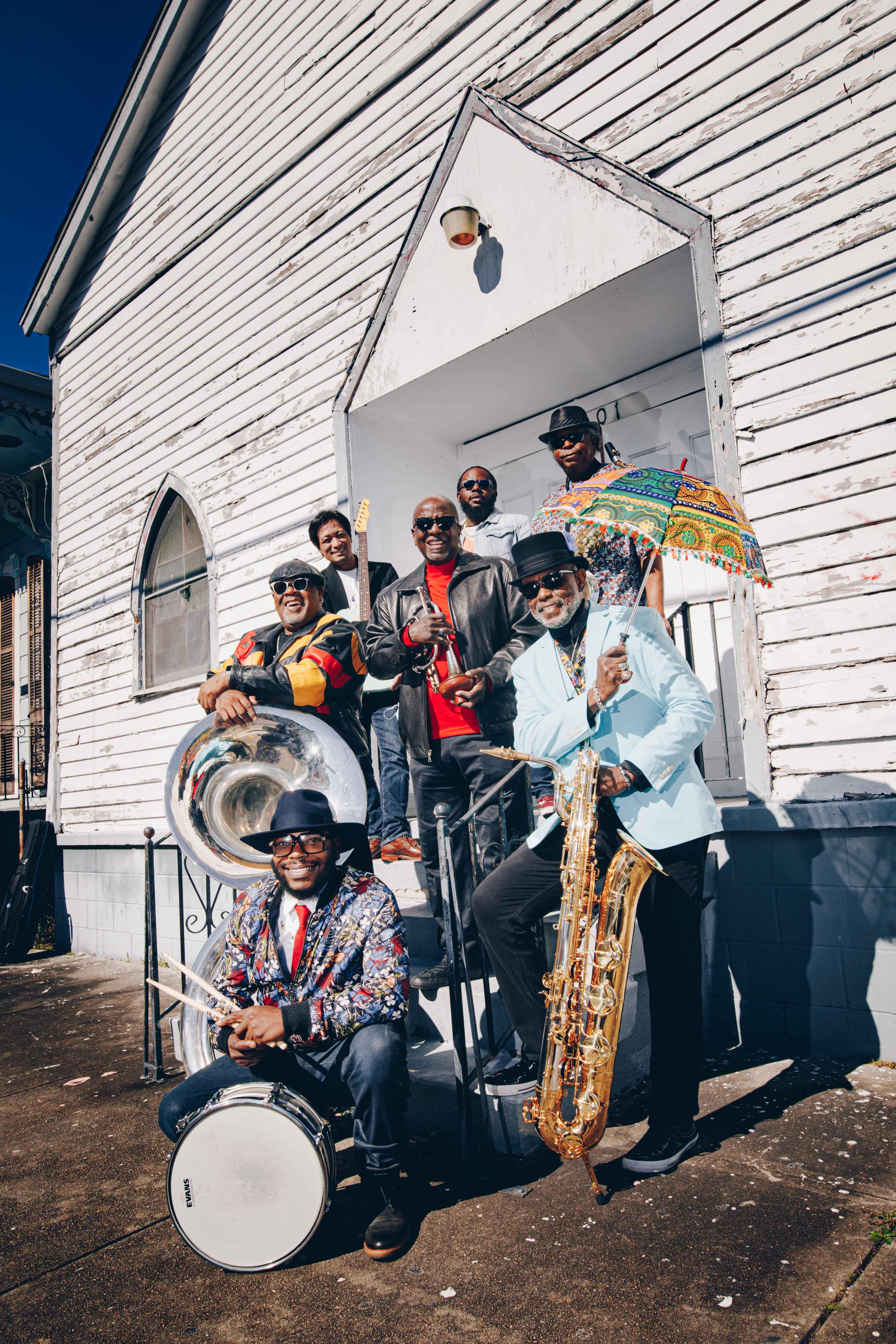 Dirty Dozen Brass Band - An Evening Of New Orleans Jazz, Funk & Soul