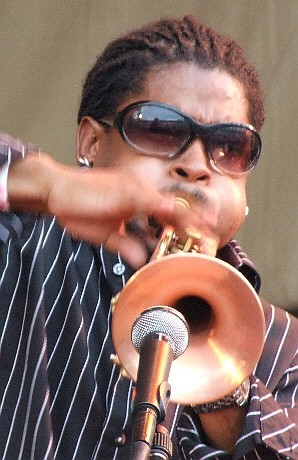 2006 Chicago Jazz Festival, Friday: Corey Wilkes with the Africa Brass Tribute to Malachi Thompson