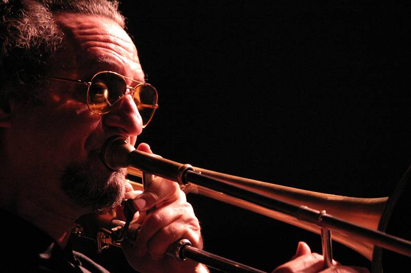"Glenn Ferris with ""Mirabassi-Boltro Ferris"" at Cully Jazz Festival, Switzerland, 2005"