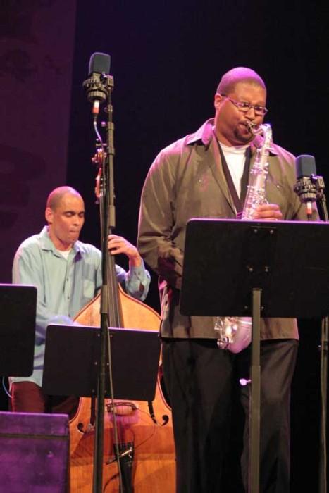 """Jimmy Greene and Ugonna Ukegwo with the """"Tom Harrell Quintet"""" at the Amr Jazz Festival, Alhambra, Geneva, Switzerland, 2005"""