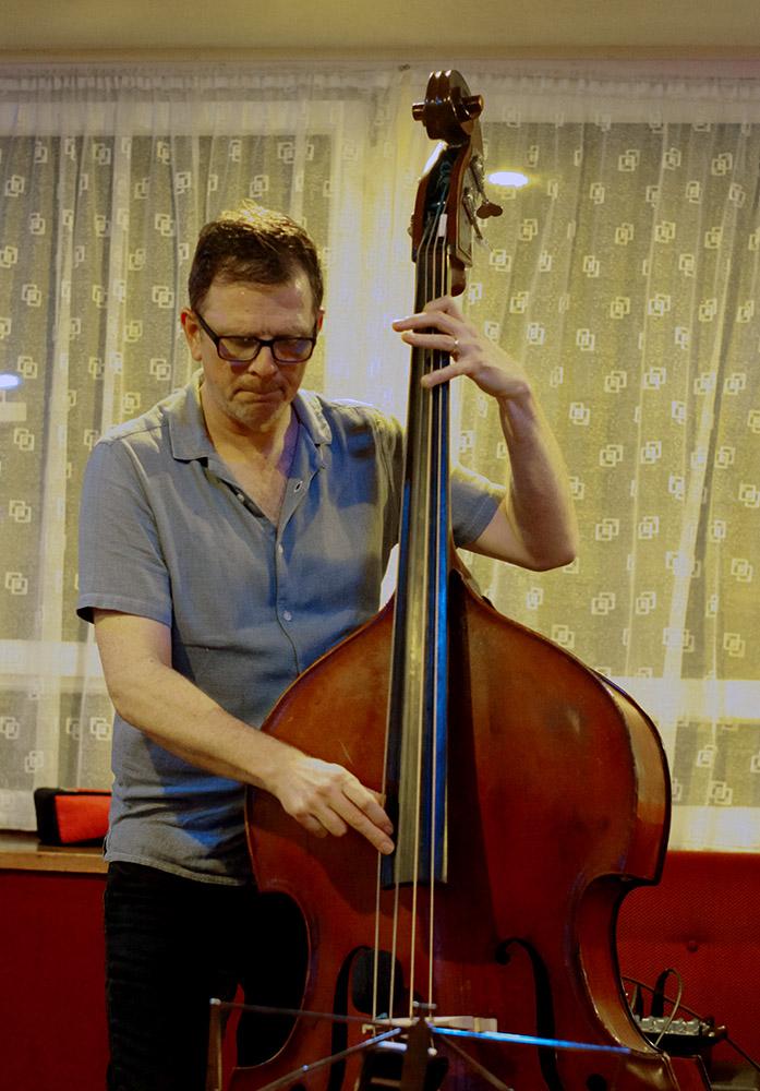 Paul Richards Trio, Steve Thompson