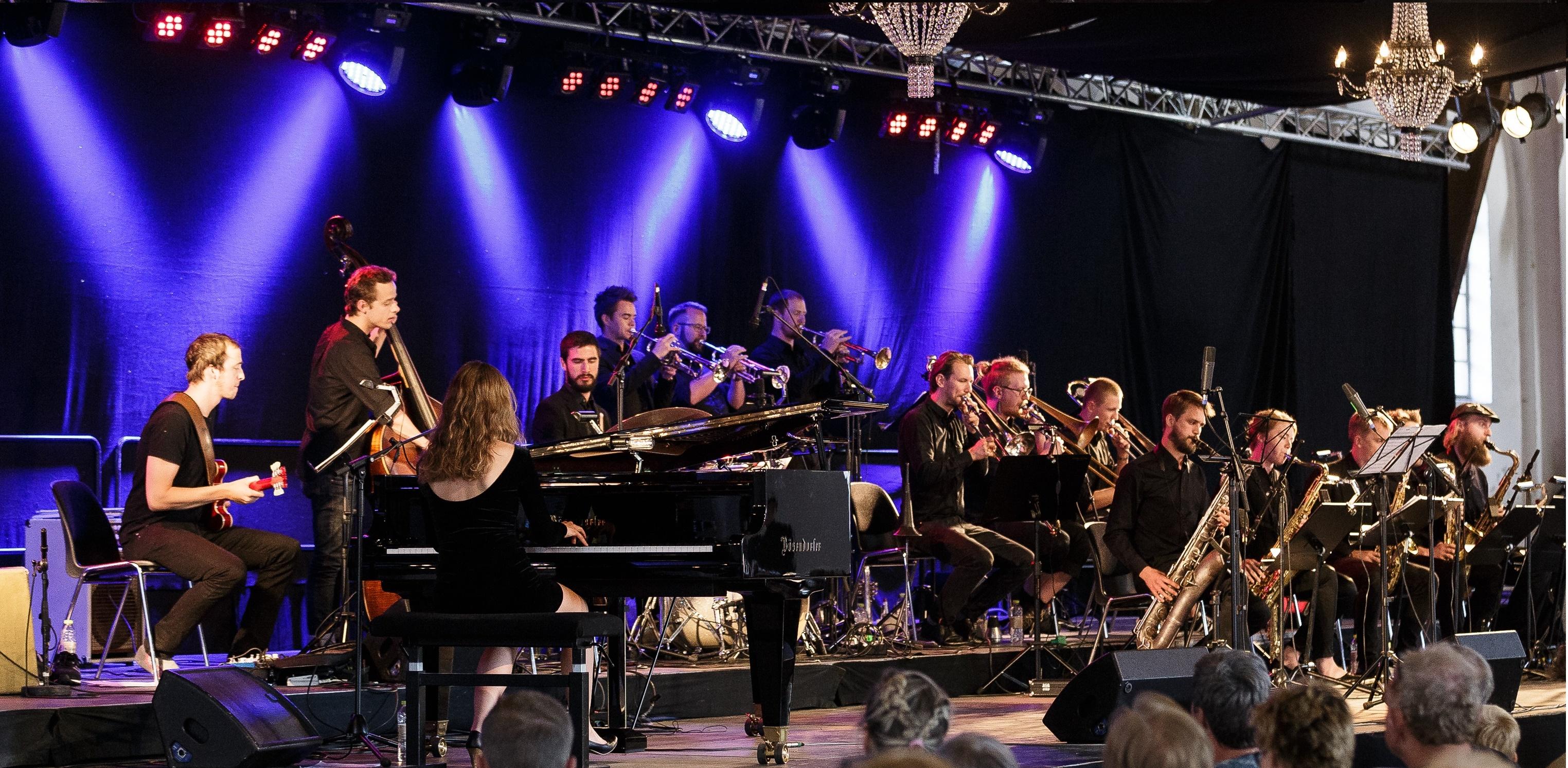 Kathrine Windfeld Big Band i Ridehuset, Danmark, 2015