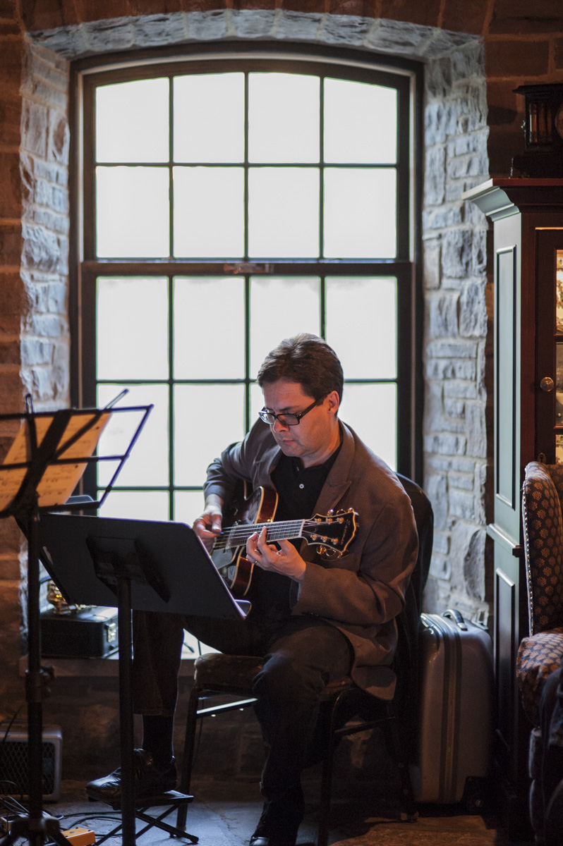 Reg schwager @ the home smith bar - the old mill inn - toronto