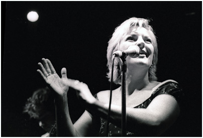 Claire Martin 0972433 Ronnie Scott's, London. July 1999 Images of Jazz