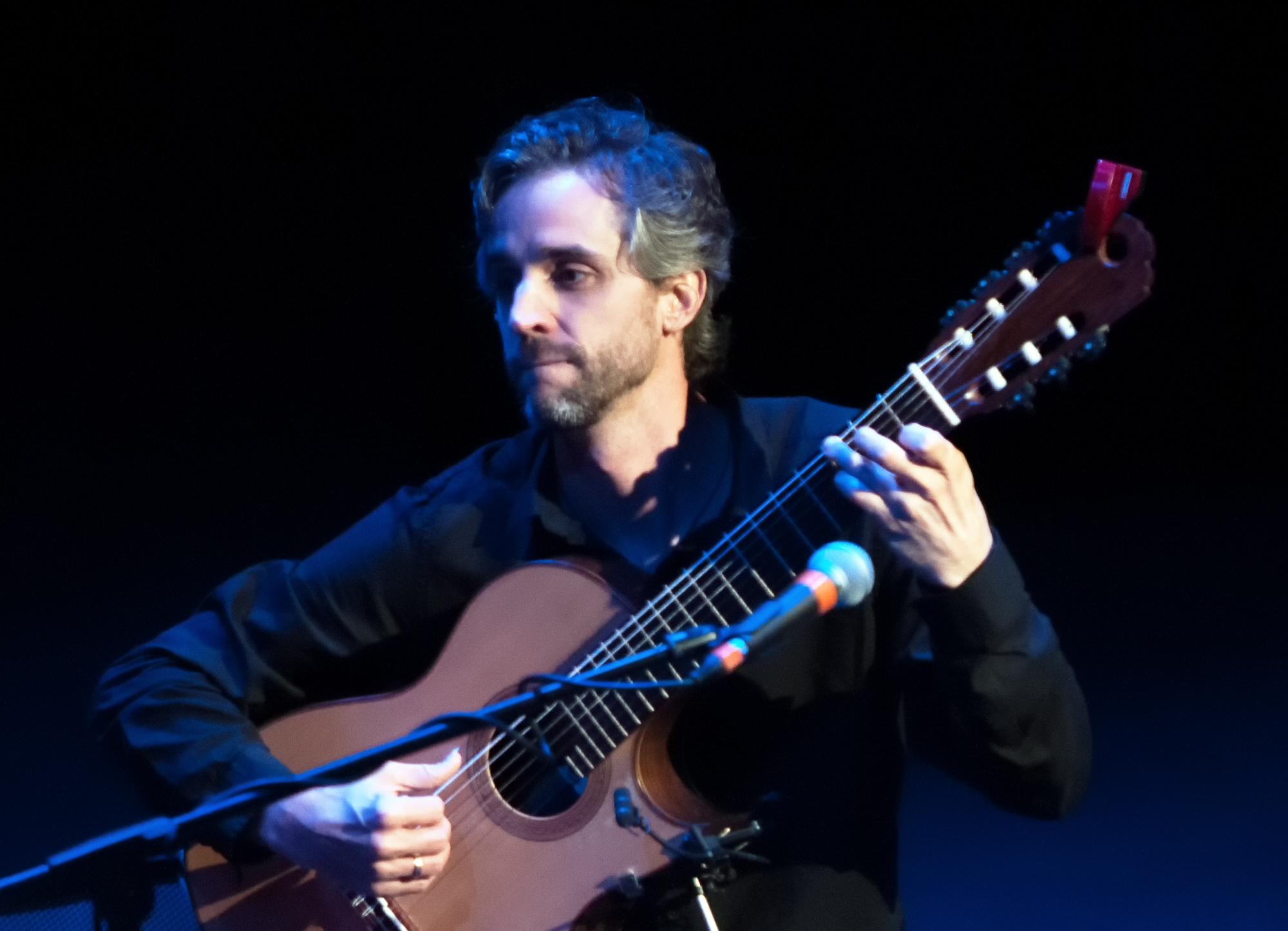 Jason Ennis with la Voz de Tres at Tempe Center for the Arts