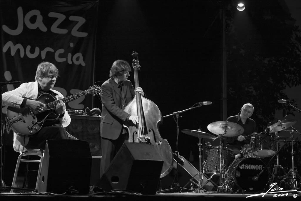 Philip Catherine Trio-2009