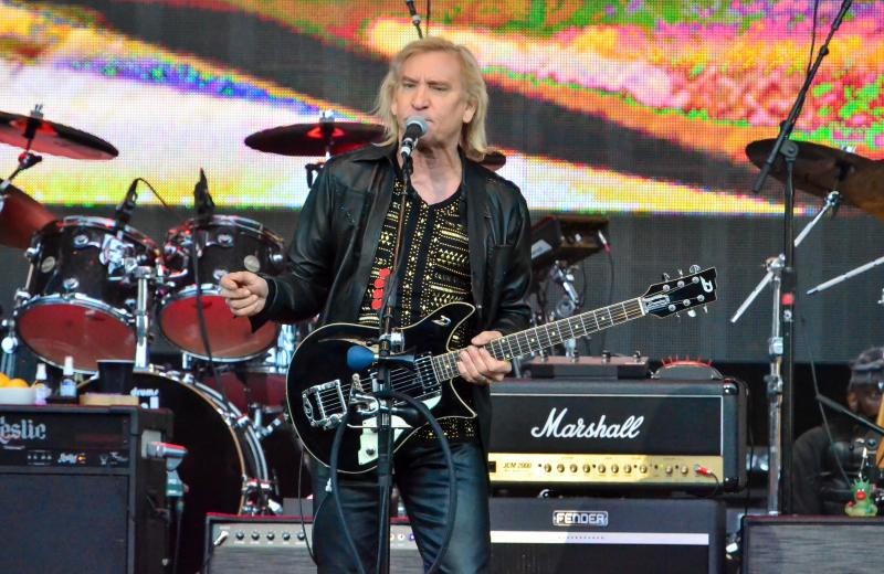Joe Walsh and Bad Company: One Hell Of A Night Tour