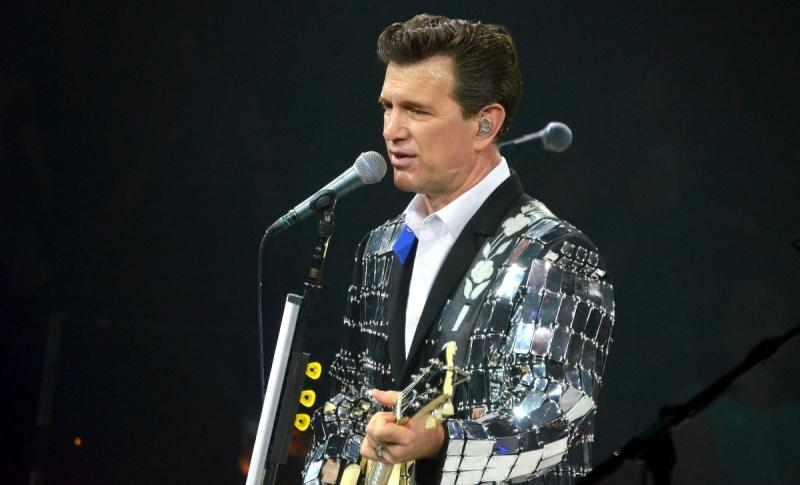 Chris Isaak Holiday Tour 2014 at the Paramount