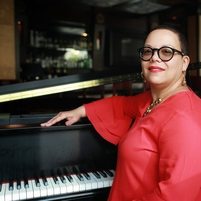 Carmen Stokes - Solo Jazz Piano at Parkers' American Restaurant And Bar