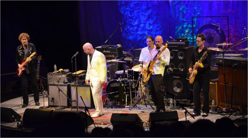 The Fabulous Thunderbirds / Dickey Betts: Westbury, NY, July 10, 2010