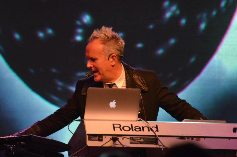 Howard Jones: Huntington, NY, July 7, 2012