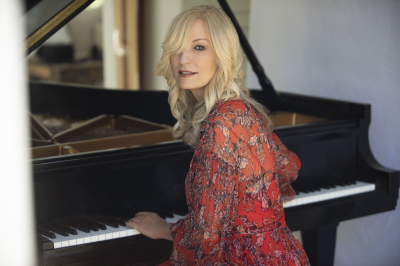 Lisa Hilton & Friends Perform Music from the album