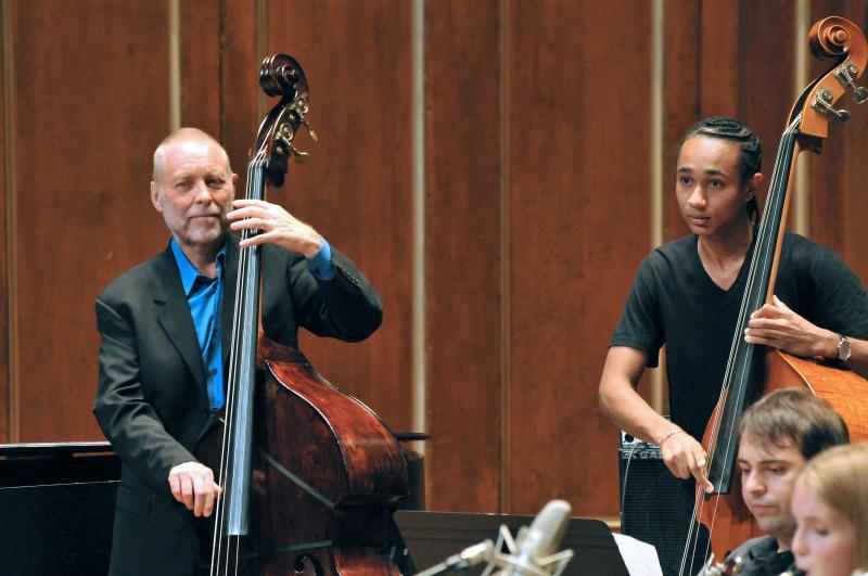 NEC Faculty Member Dave Holland Receives 2017 NEA Jazz Masters Award