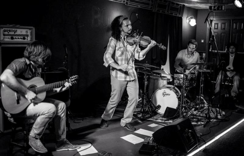 Ricardo Herz Trio/Phisqa at BelloBar