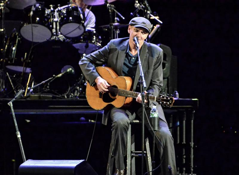 James Taylor and Bonnie Raitt at the Prudential Center