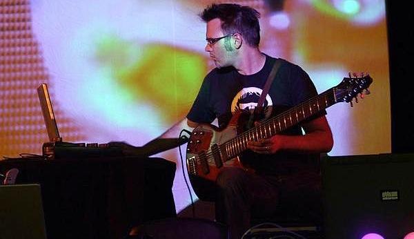 Markus Reuter: (R)Evolutionary Touch Guitarist
