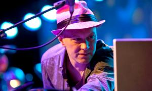 Interview with Django Bates: Delightful Piano Touch
