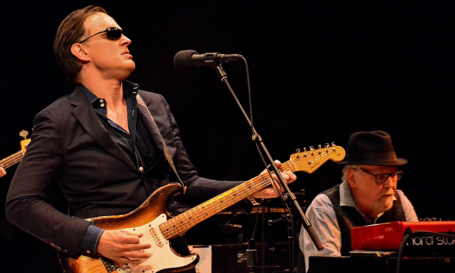 Joe Bonamassa at The NYCB Theatre at Westbury