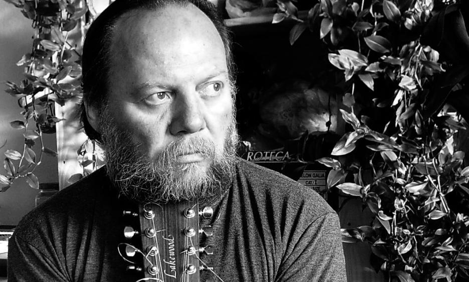 Steffen Basho-Junghans: esplorando lo spazio sonoro della chitarra