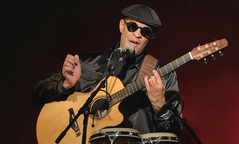 Raul Midon: Flamenco's Fire Into The Cool