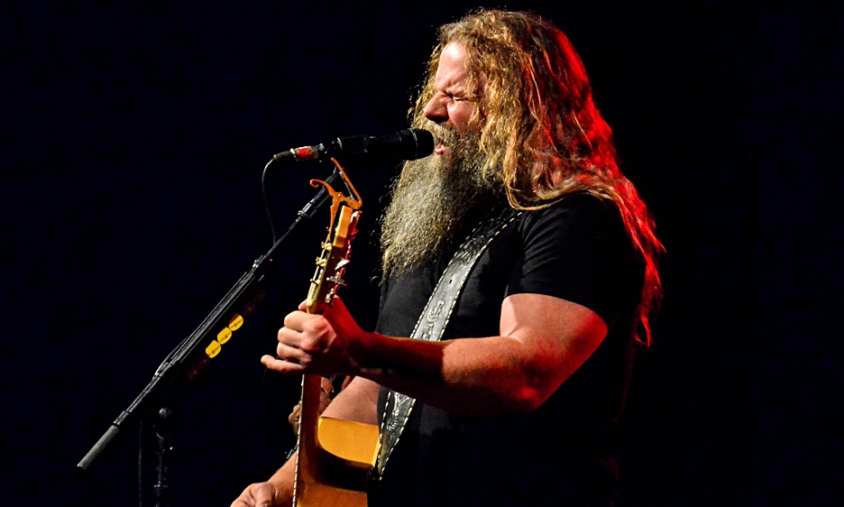 Jamey Johnson, with Kelsey Waldon and Chris Hennessee, at The Paramount