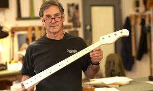Read The Instrument Maker: Roger Sadowsky