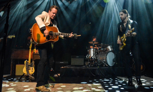 Read Kiefer Sutherland at Irving Plaza