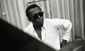 Read Miles Davis: How 9 Jazz Icons Remember His Genius
