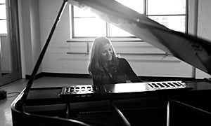 "Pianist Anne Sajdera Celebrates Creative Renewal, Cross-Cultural Inspiration With ""New Year,"" Set For Nov. 2 Release"