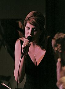 Elaine Lucia